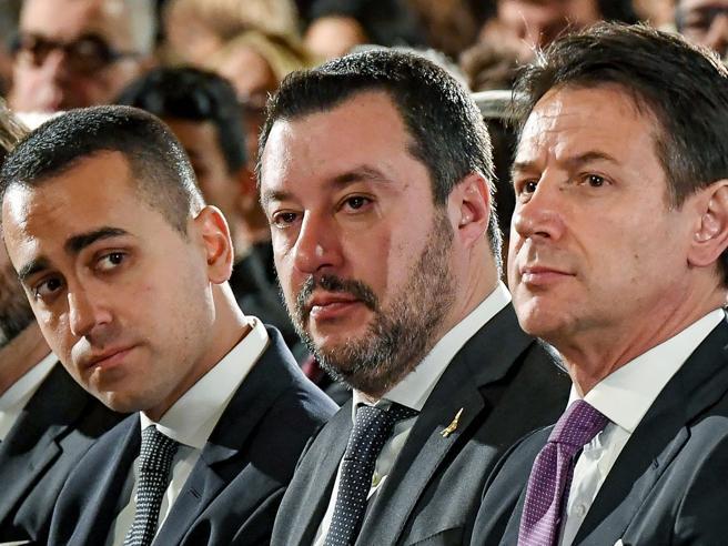 Governo, l'era glaciale: Salvini, Di Maio, Conte e Giorgetti non si parlano più