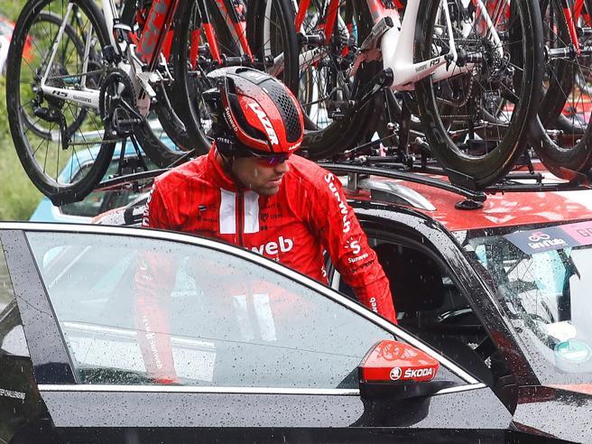 Giro d'Italia: si ritira l'olandese Dumoulin, uno dei favoriti
