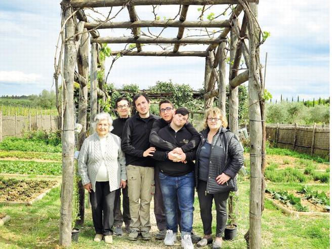 I nonni e l'arte della terra insegnata ai ragazzi La felicità nel Chianti