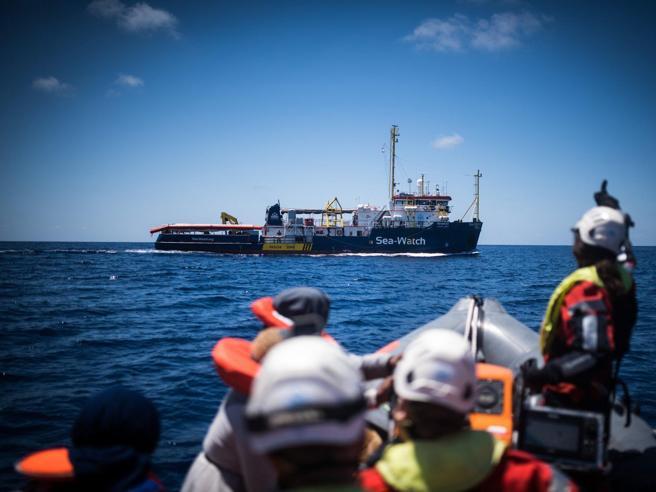 Sea Watch è entrata   in acque italiane: