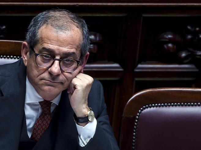 Tria: «Niente coperture per il dl famiglia Di Maio: «Non è v