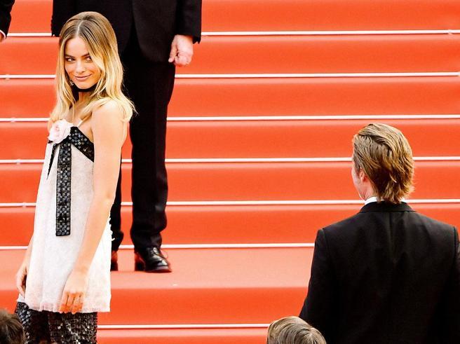 Flirt tra Brad Pitt e Margot Robbie? Lo sguardo complice che alimenta il gossip
