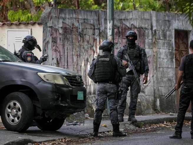 Venezuela: rivolta in carcere, almeno 30 morti, numerosi feriti