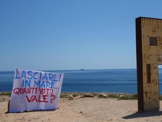 La Lega vince a Riace e a Lampedusa: «Ormai accogliere migranti è diventata una colpa»