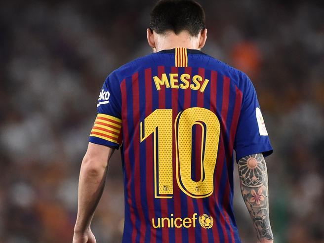 Messi, la solitudine del numero uno (che conta troppo, ma ormai non basta più)