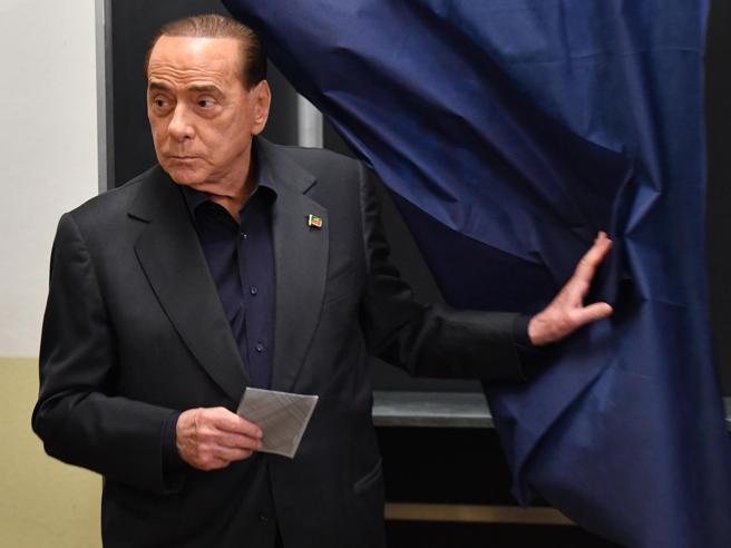 Berlusconi sotto il 10%: «Ma ho dato il massimo, ho  la coscienza a posto»Zingaretti, ok primo test