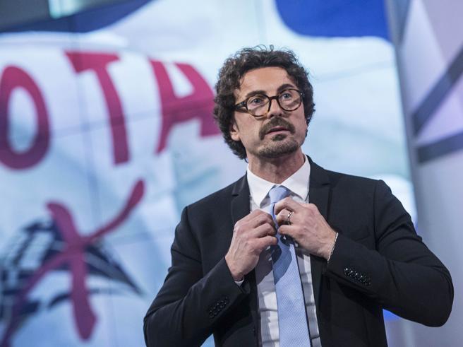 Da Toninelli a Grillo, ministri in bilico: il gioco del rimpasto Più di un italiano su due vede il governo a rischio Sondaggio