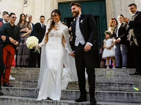 Matrimonio In Chiesa : Matrimonio vista lago nella chiesa vecchia di belgirate