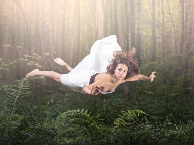 «Sogno spesso di cadere e mi sveglio di soprassalto: perché mi succede?»