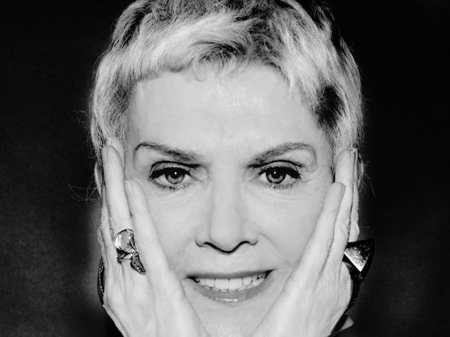 Caterina Caselli: «Ho battuto il cancro, e sono tornata»Il nuovo 7 è in edicola oggi