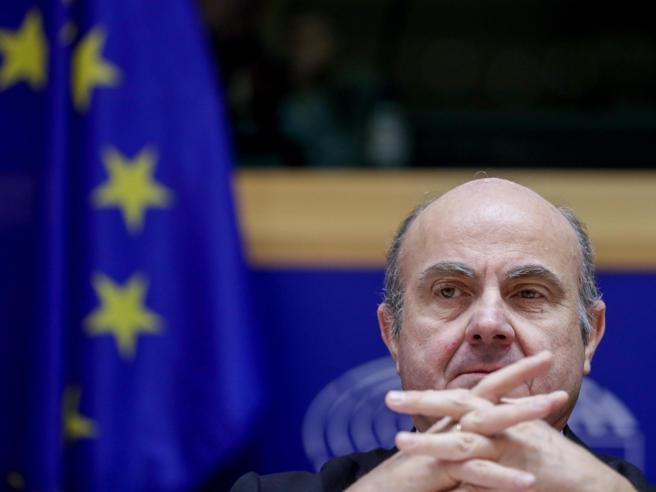 Il vicepresidente Bce: «Il vostro debito pubblico è una sp