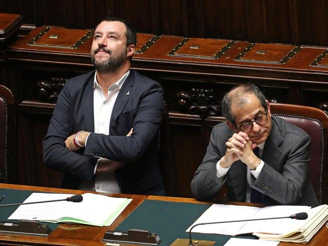 Fisco e    mini-Bot: lite tra    Salvini e Tria  Il leghista teme trappole sulla Flat Tax