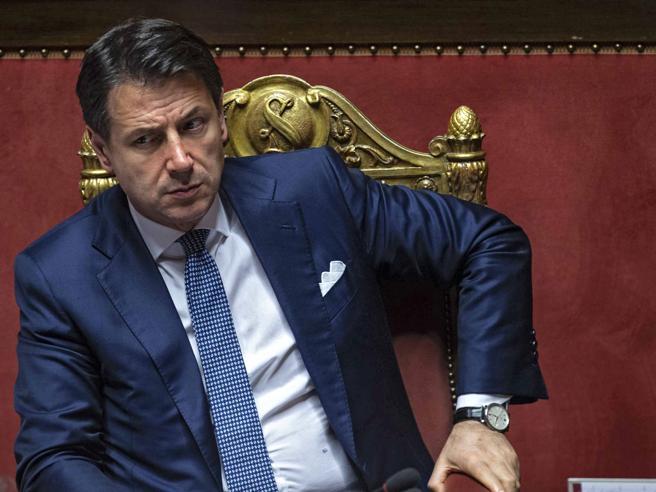 Conte in Europa con due miliardi in doteLa lite sul decreto Crescita, poi Salvini annuncia: via libera all'autonomia