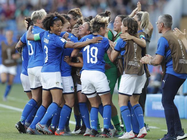 L'Italia vince e    vola ai quarti dove troverà l'Olanda Fot