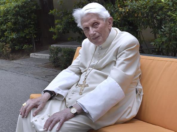 Benedetto XVI, l'uomo che veglia sul Vaticano - Corriere.it