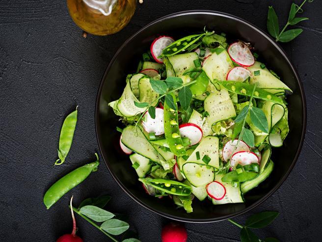 Insalata: come prepararla gustosa, leggera e nutriente  in sole 5 mosse
