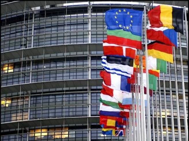 Europarlamento, fumata nera per il presidente: Sassoli manca  nomina per 7 voti Live