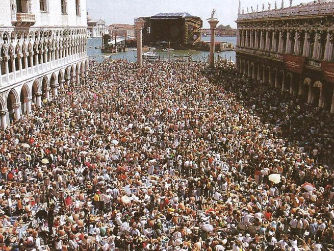 30 anni fa la poesia e il disastro dei Pink Floyd a Venezia