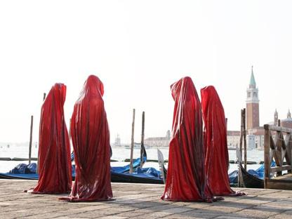 Manfred Kielnhofer (1967), «Guardians of Time» (Venezia, 2011, installazione, mixed media)