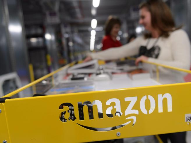 Amazon, indagine dell'Antitrust Ue:«Uso scorretto dei dati dei clienti»
