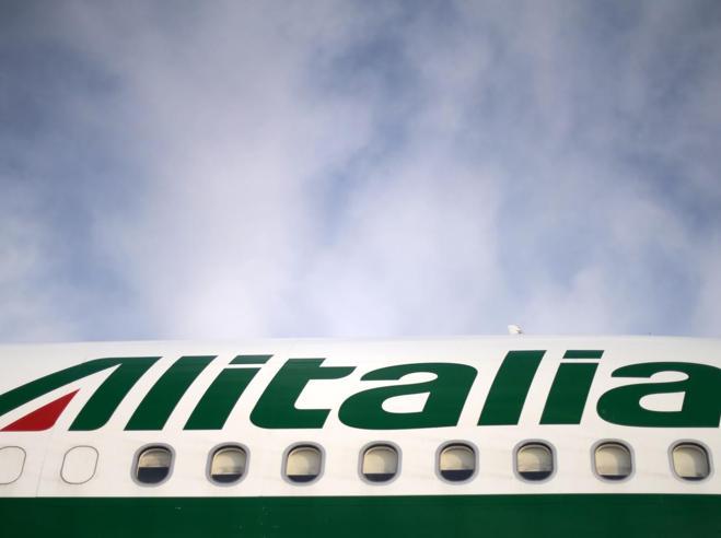 Alitalia, «offerta vincolante e piano industriale entro il 15 settembre»