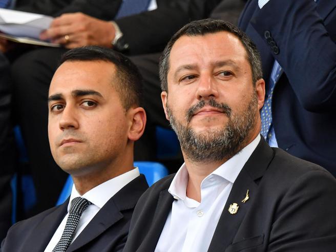 Salvini: finita la fiducia, anche personaleDi Maio ai suoi: