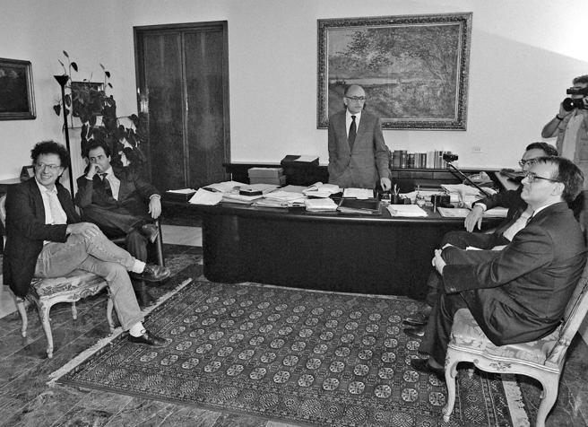 Borrelli, il tributo dei suoi sostituti: «Tu un capo vero, i