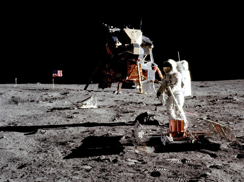 Il primo sbarco sulla luna degli americani 50 anni fa (Epa)