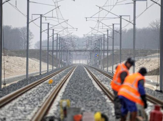 Caos treni tra Roma e Firenze Ritardi fino a 3 ore per incen