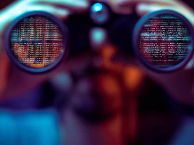 Google rimuove 7 app spia: permettevano di controllare colleghi e parenti