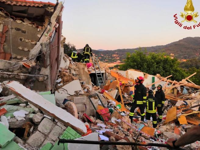 Elba, esplode palazzina: morti marito e moglie,  3 feriti Foto