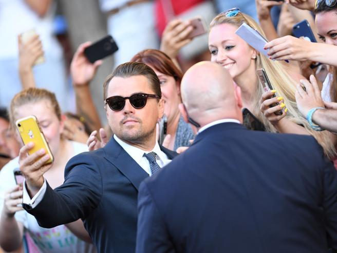 Leonardo DiCaprio, Brad Pitt e Margot Robbie: fan osannanti alla prima di «Once Upon a Time in Hollywood» a Los Angeles