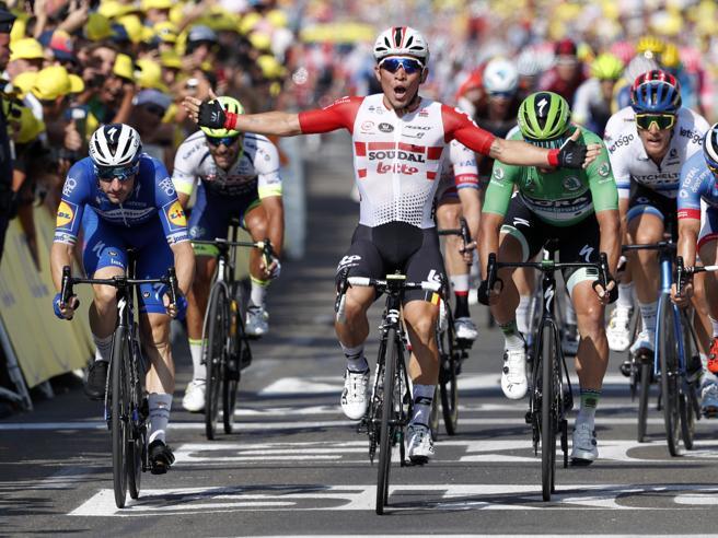 Tour de France: Ewan vince la 16ª tappa a Nîmes, Alaphilippe resta leader