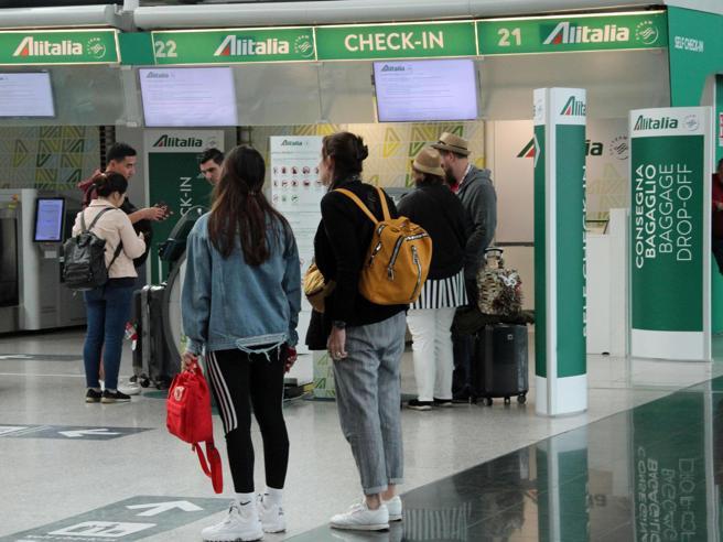 Sciopero trasporti 26 luglio, stop di 4 ore confermato. Alitalia cancella 113 voli Il manuale di sopravvivenza