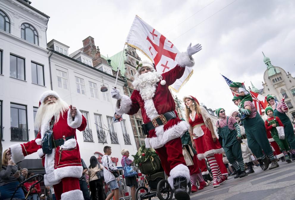 Babbo Natale 8 Gallery.Il Raduno Annuale Dei Babbo Natale Corriere It