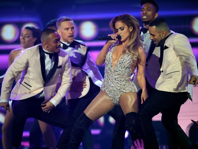 I 50 anni di Jennifer Lopez: «Io, partita dal Bronx»