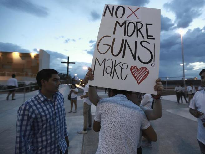 Sparatoria in Texas. I  «mass shooting»: nel 2019 già 246 morti