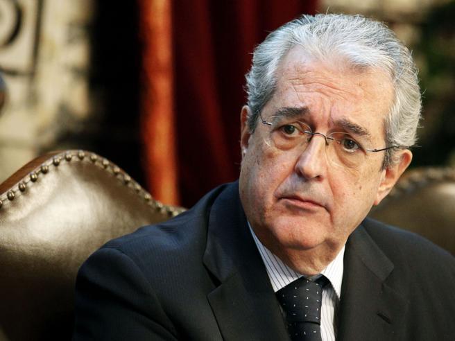 Malore in Sardegna:  morto Fabrizio Saccomanni,presidente di Unicredit ed  ex ministro dell'Economia