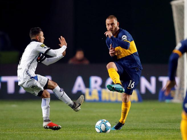 Daniele De Rossi, debutto con gol (e sconfitta ai rigori) con il Boca Juniors
