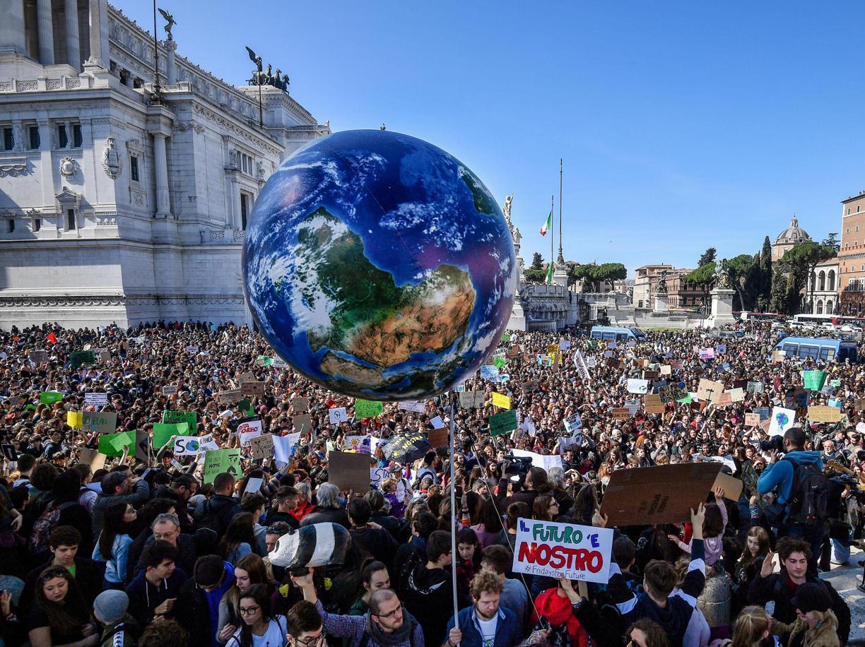 La manifestazione in sostegno di Greta Thunberg a Roma il 15 marzo 2019 (Ansa)
