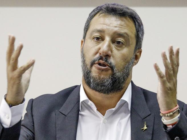 Salvini: ragionerò su tutto purché non tornino Renzi e i suoi