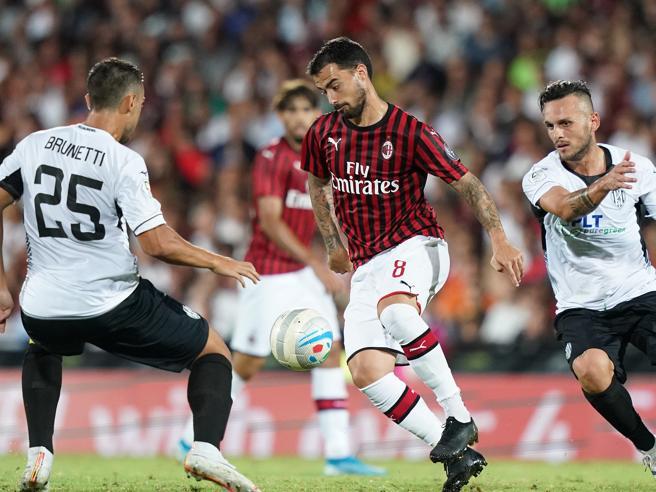 Milan-Cesena 0-0, pareggio senza gol per i rossoneri nell'ultimo test precampionato