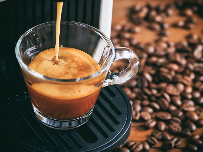 Il caffè fa bene o fa male? Le dosi e gli orari giusti per gustarsi la tazzina