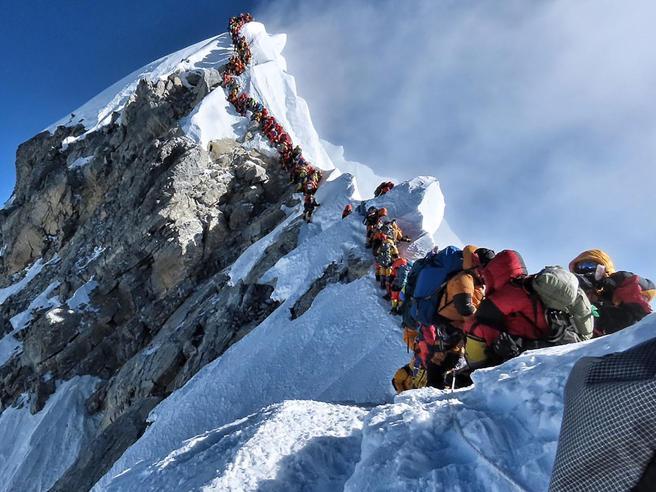 Everest: il Nepal cambia le regole, servirà esperienza e sarà più caro