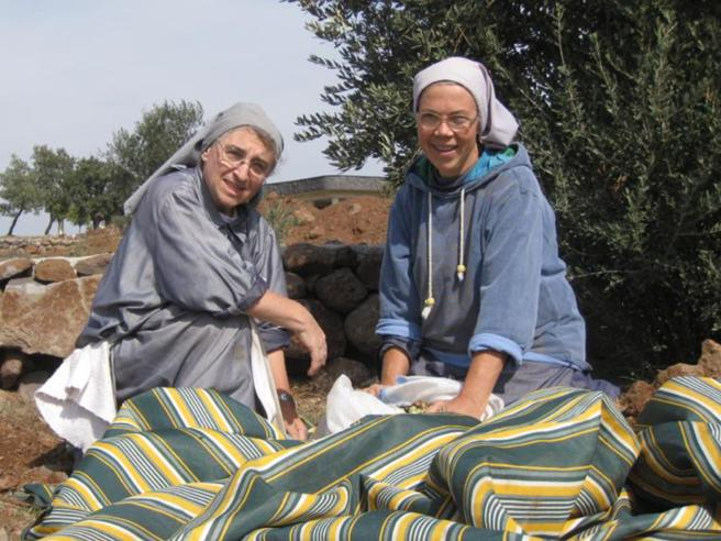 Marta, suora di clausura in guerra «In  Siria combatto per la vita»