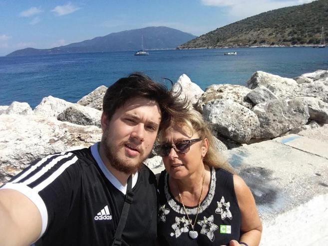 Federico morto per l'eroina e l'ultimo sms alla mamma: «Abbi