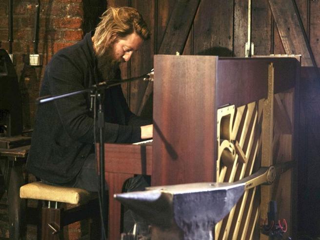 Beving: «Il mio pianoforte è politico»
