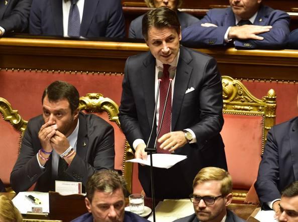 Da sinistra, Matteo Salvini, il premier Giuseppe Conte e Luigi Di Maio (Imagoeconomica)