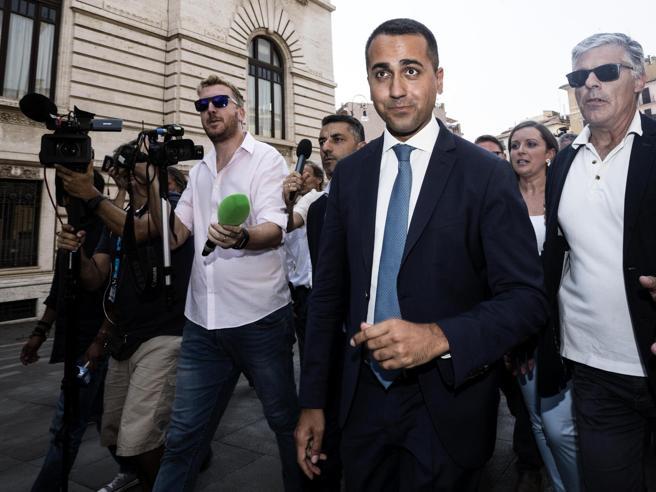 Crisi governo, avanti trattativa M5S-Pd:  «Prima di martedì vertice Di Maio-Zingaretti»