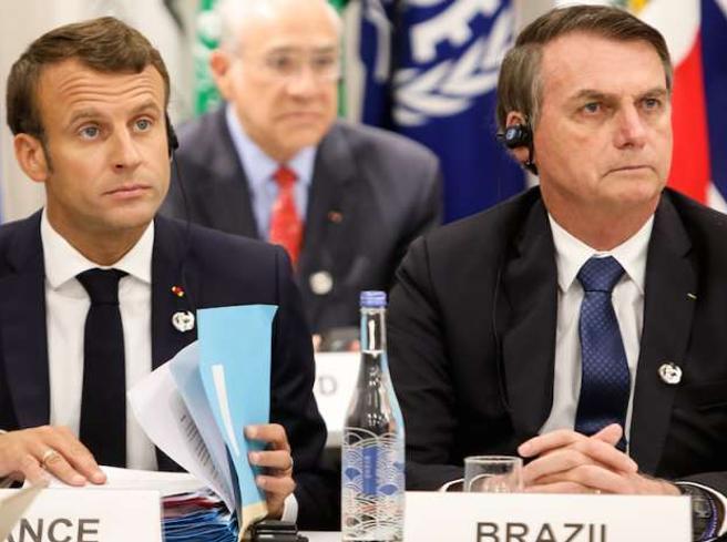 Amazzonia, Macron accusa Bolsonaro: mente sul clima, stop ad accordi con il Brasile
